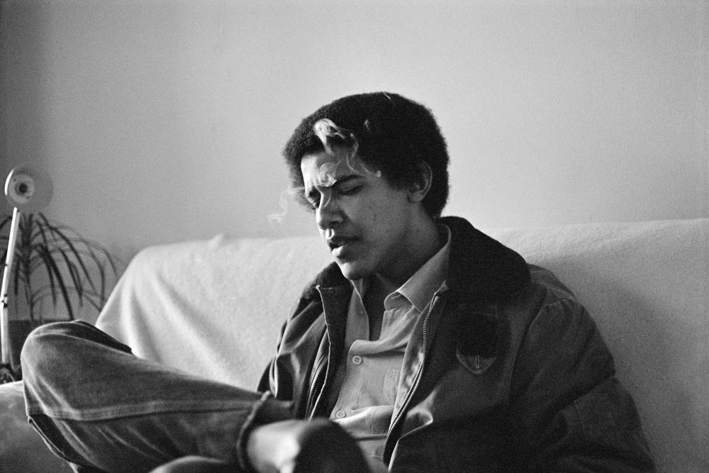 Barry tries to relax in the Oval Office after a hard day trying to protect the country from the lies of sadistic Tea Party members.